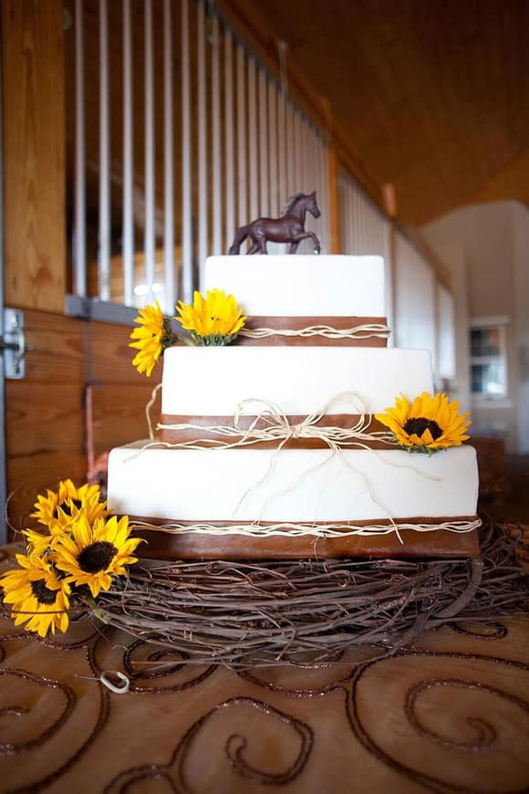 western wedding cake ideas western wedding cakes magazine 27026