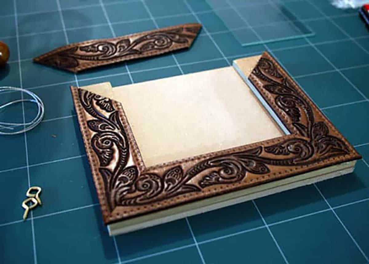 Leather-Belt-Photo-Frame
