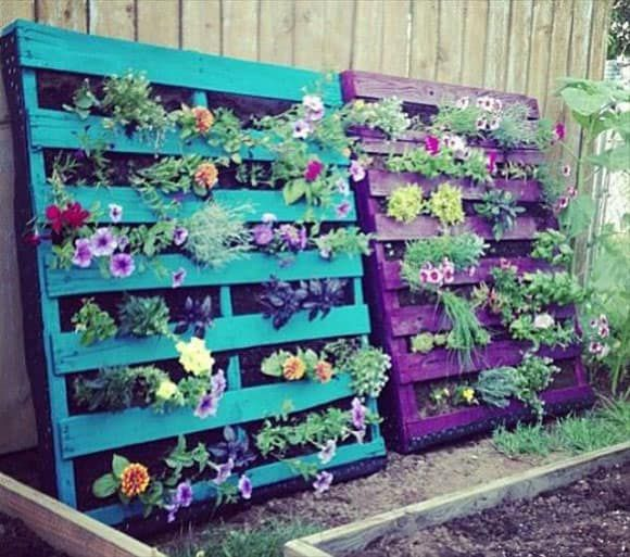 Pallet Flower Arrangement