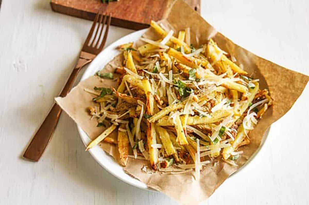 Baked-Garlic-Parmesan-Fries