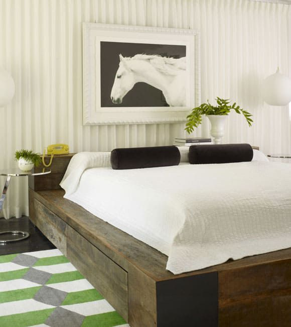 horse art over the bed