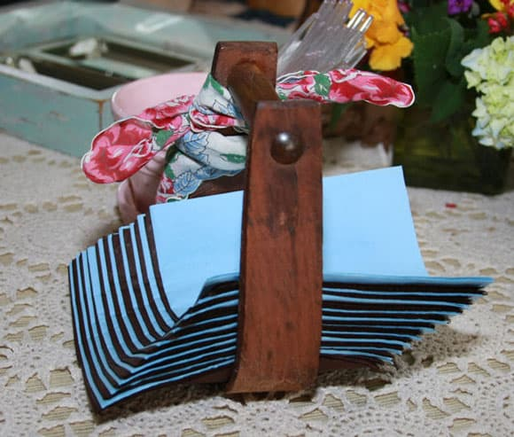 western stirrup napkin holder