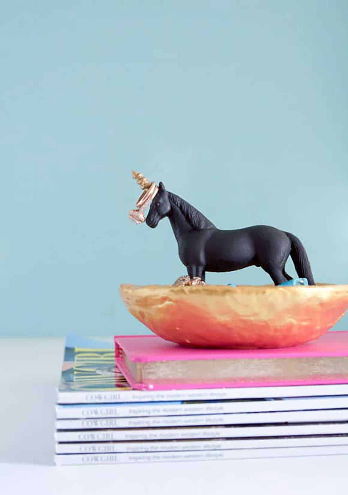 DIY-Unicorn-Ring-Dish-and-Jewelry-Holder-Horses-Heels