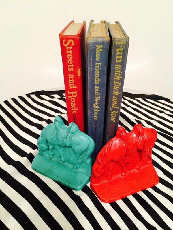 Cast-Iron-Colored-Horse-Bookends