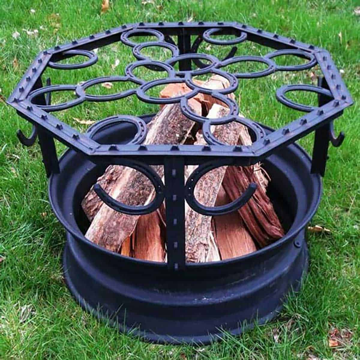 Horseshoe-Top-Fire-Pit