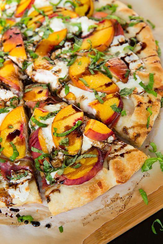peach-prosciutto-pizza