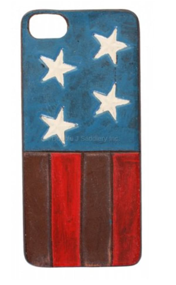 American-Flag-Painted-Cell-Case