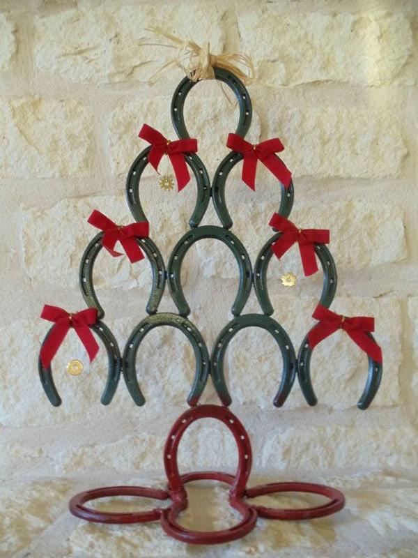 red and green horseshoe christmas tree - Horseshoe Christmas Tree