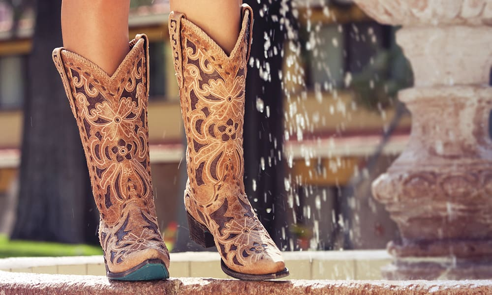 Well-known Lane Boots - Cowgirl Magazine SC08
