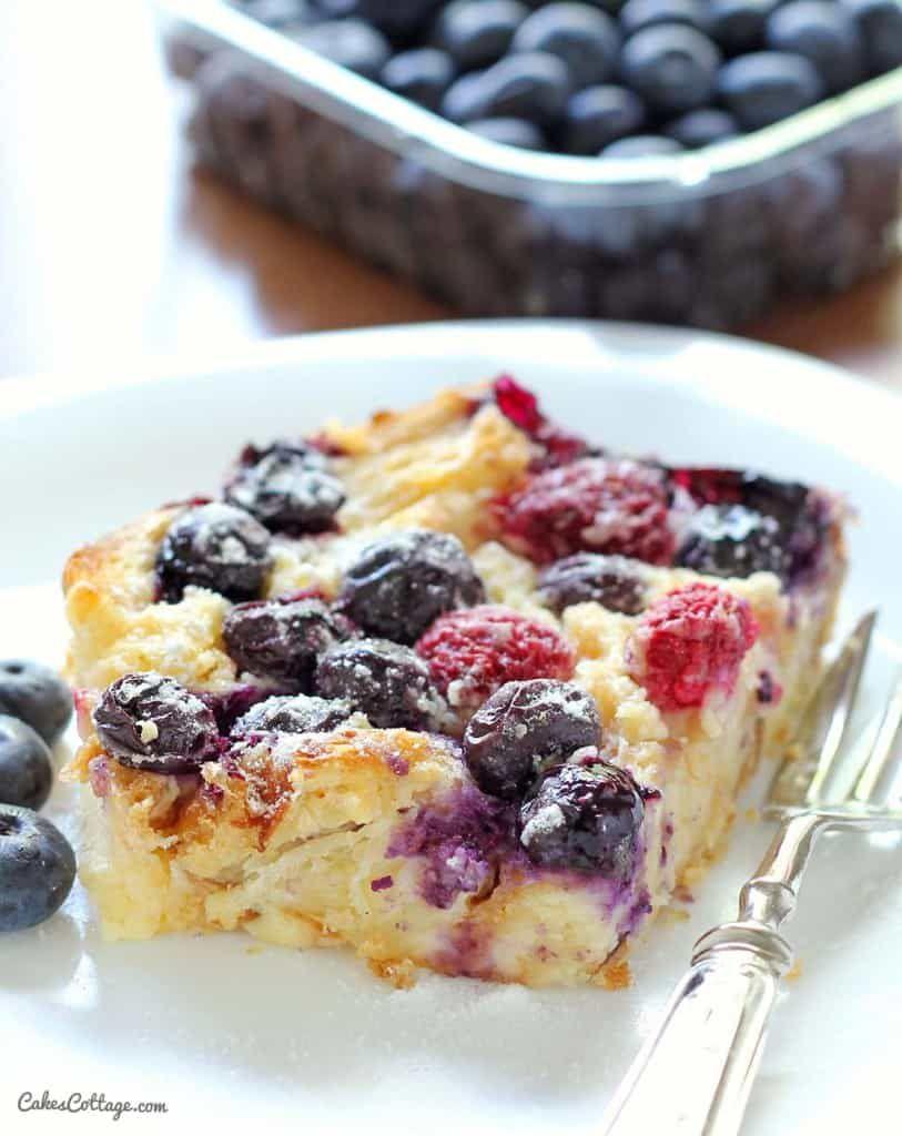 blueberry-croissant-bake
