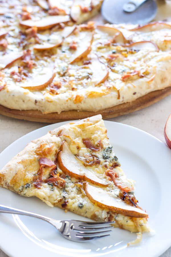 pear-prosciutto-gorgonzola-pizza