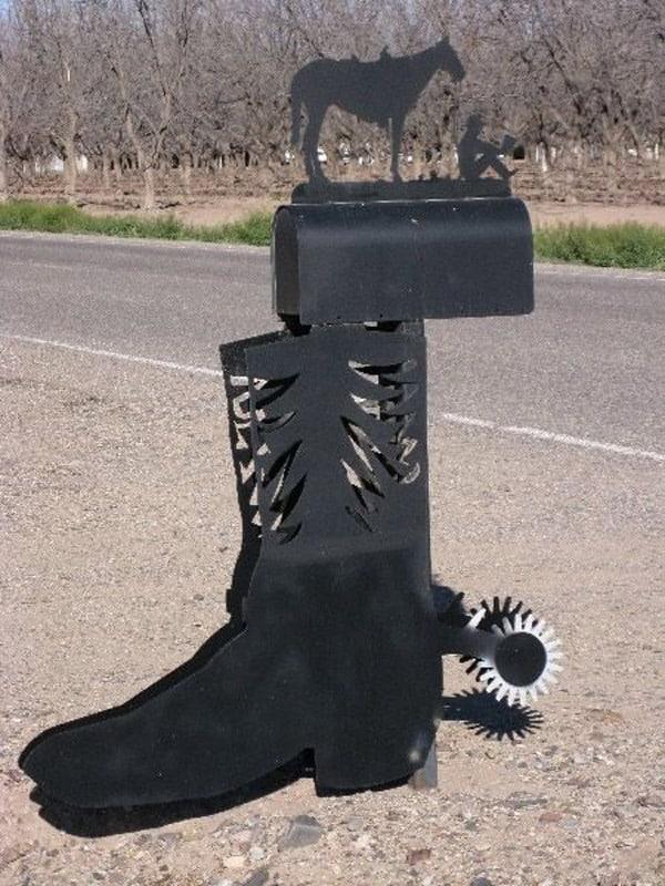 Cowboy-boot-mailbox
