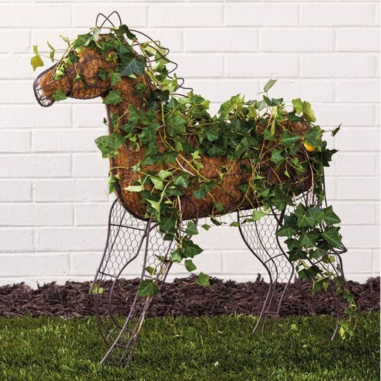 Horse garden topiary