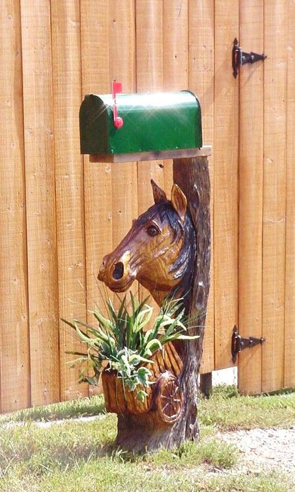 Horse-head-mailbox