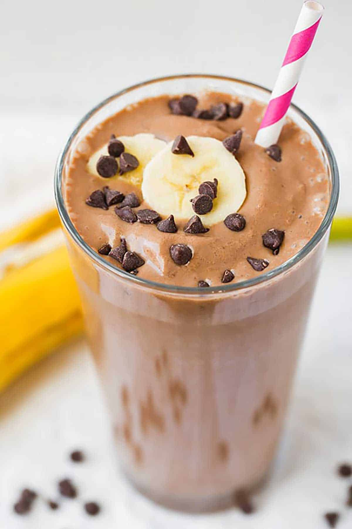 chocolate-peanut-butter-banana-smoothie