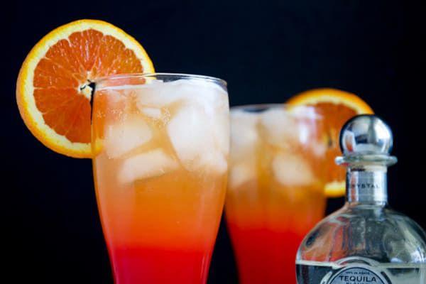 Corona-Sunrise-Cocktail-with-Orange-Wheel