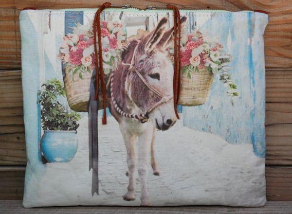 Donkey-pouch