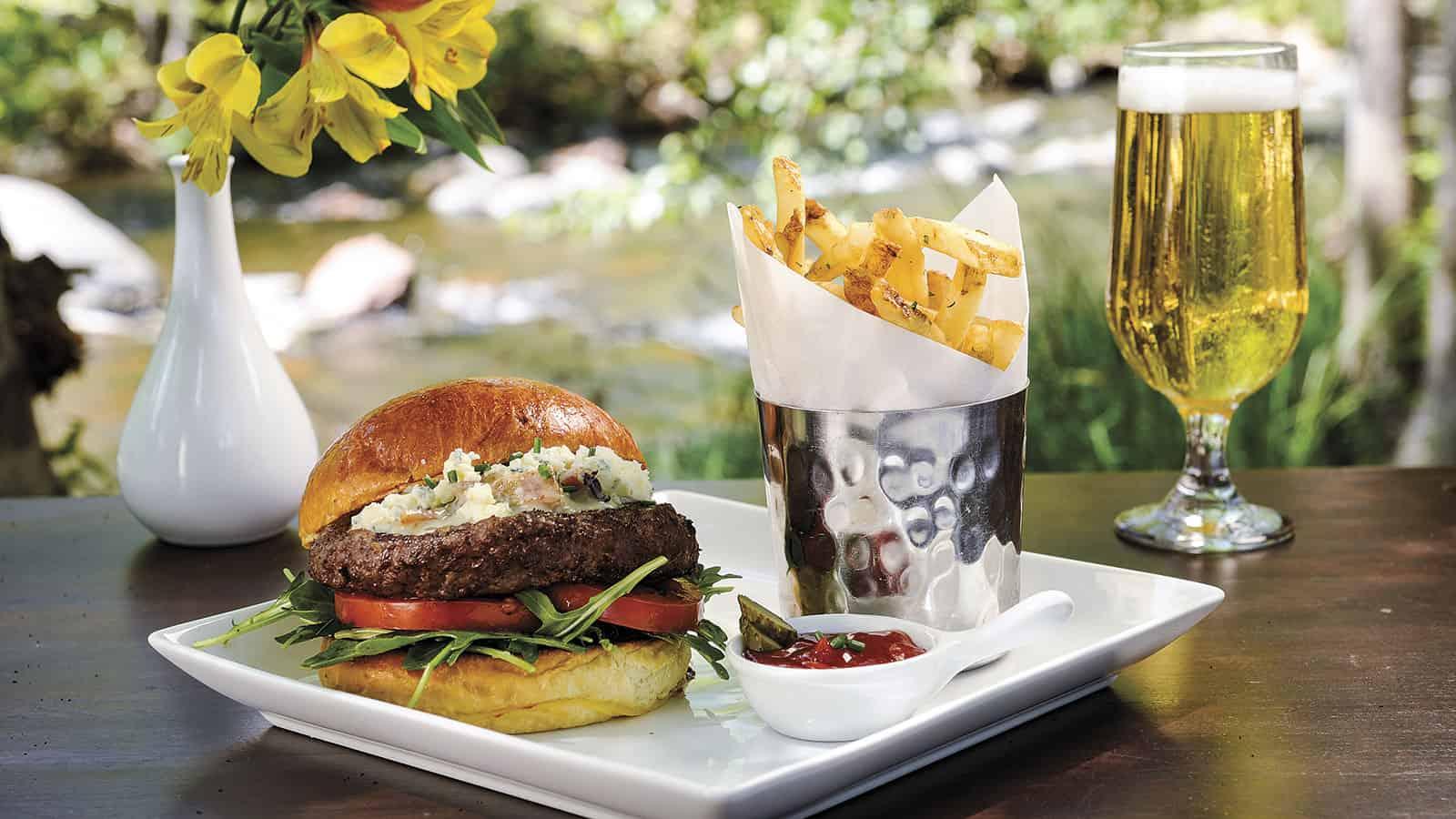 Food-L'Auberge-Burger-4-2