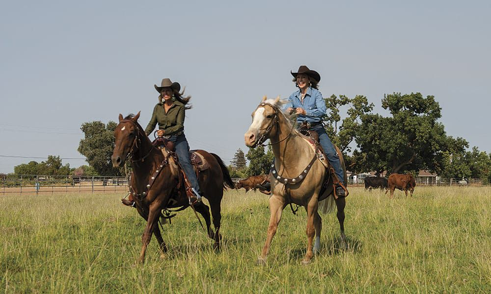 Sharon-camarillo-donna-irvin-copyright-cowgirl-magazine-photo-ken-amorosano