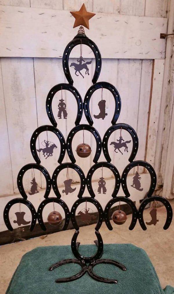 horseshoe-christmas-tree