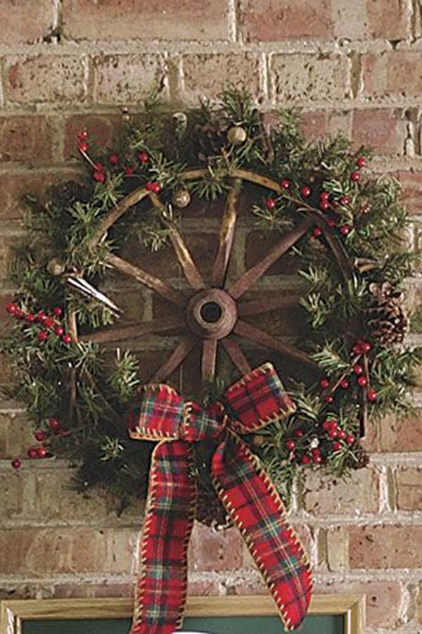 Turn-antique-wagon-wheel-into-a-holiday-wreath