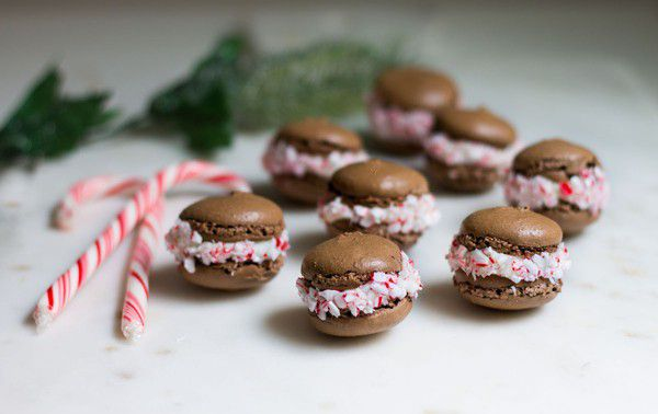 chocolate-peppermint-macarons