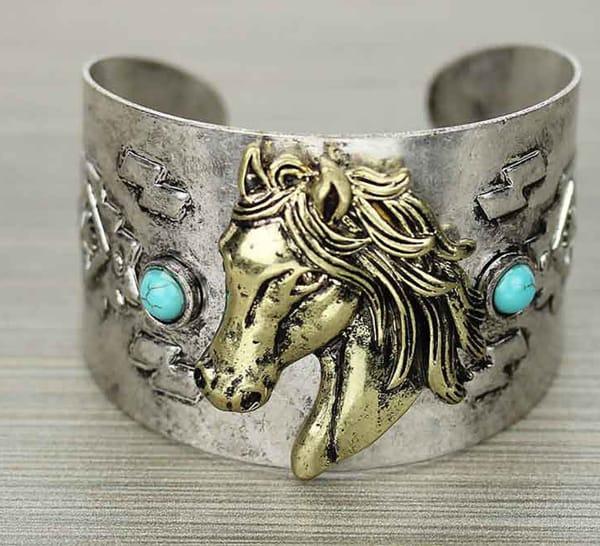 horse-head-cuff