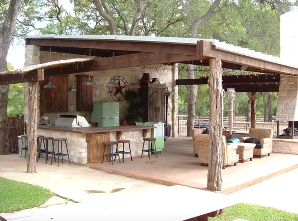 Spend Your Free Time Outside With Friends On Patio Scroll Through For Some Major Outdoor Living Inspiration This E Is Filled