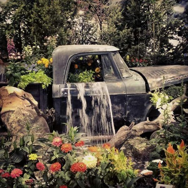 old-pick-up-with-fountain