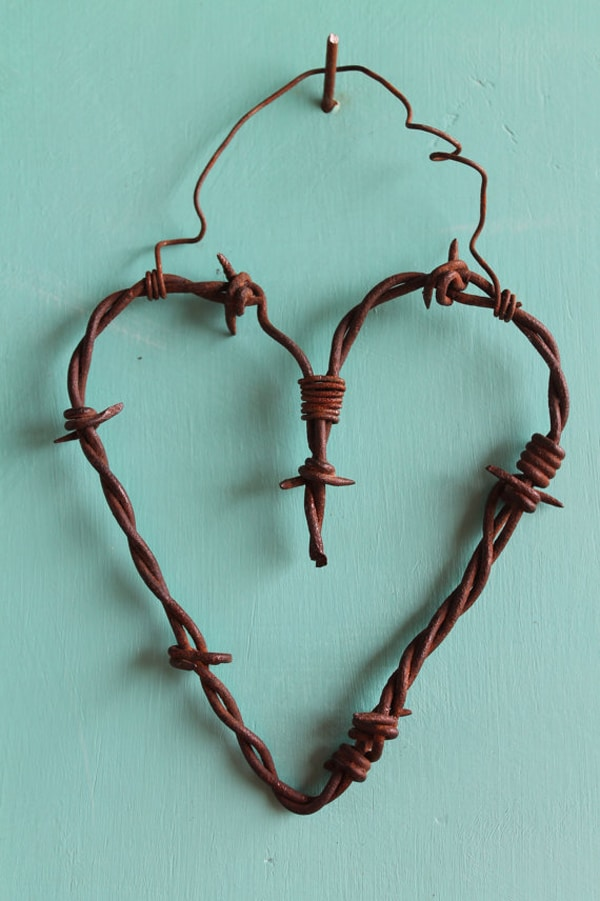 heart-barbed-wire