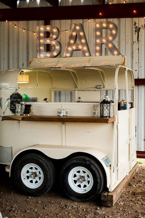 bar-horse-trailer