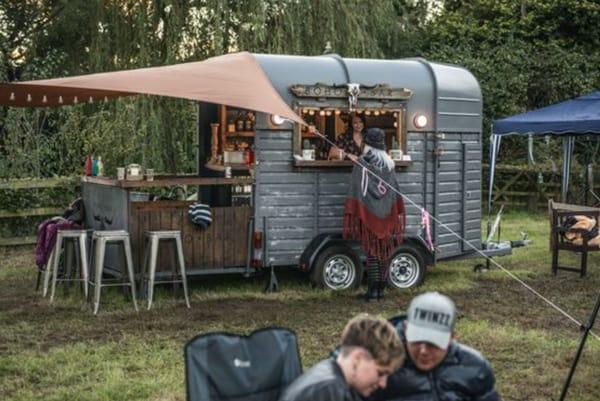 horse-trailer-bar