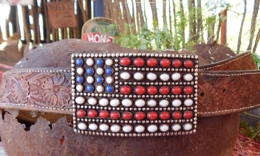 Patriotic buckle