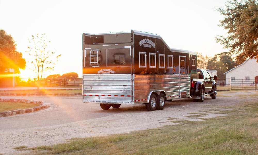 bloomer trailers trailer rodeo road rodeo trail rodeoing nrs trailers platinum randy bloomer Jake bloomer Alexis bloomer Kim bloomer sage kimzy