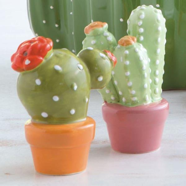 cactus-salt-and-pepper-shaker