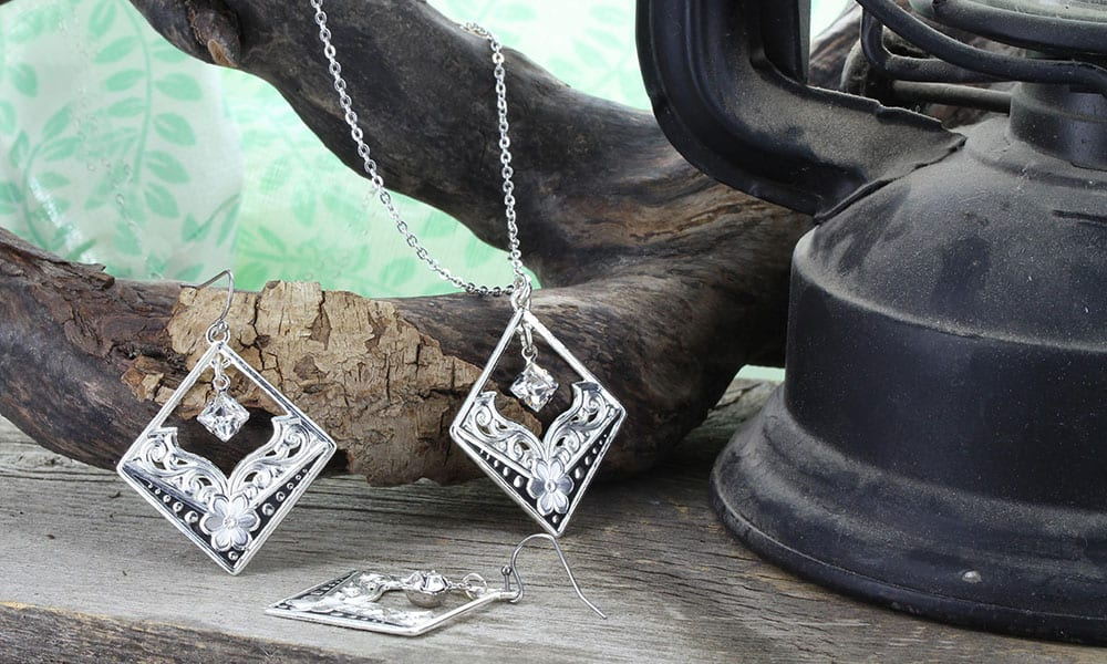 montana silversmiths swarovski collection cowgirl magazine
