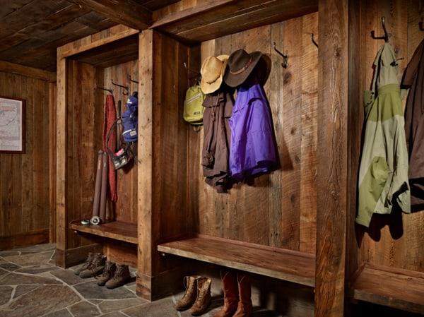 wooden-mudroom