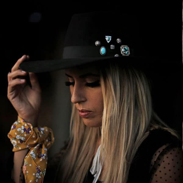 living in grace and style livin in grace and style warbonnet hat works dial imagery western couture Tyra drawer Hannah Leigh hogner western fashion wild rags buck wild custom wild rags boot rugs vintage logo loves Louis lu Ella on main