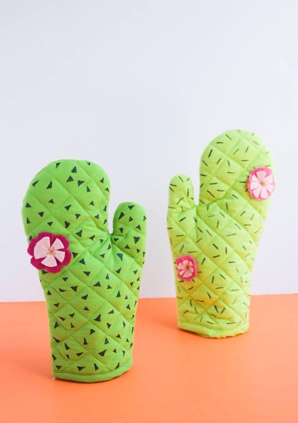 DIY-cactus-oven-mitts