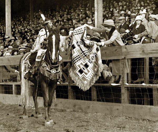 Pendleton Round Up Rodeo Cowboys Cowgirl Magazine