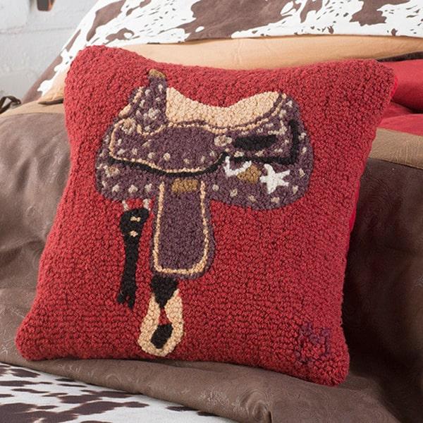 saddle-hooked-pillow