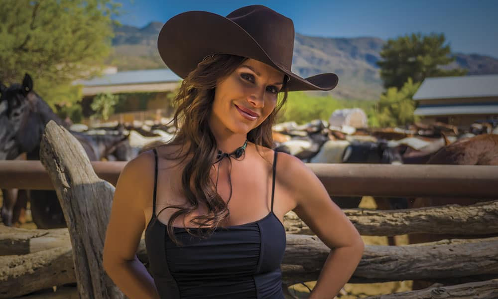 Update debbe dunning stars in rfd tv 39 s dude ranch roundup for Home improvement naked