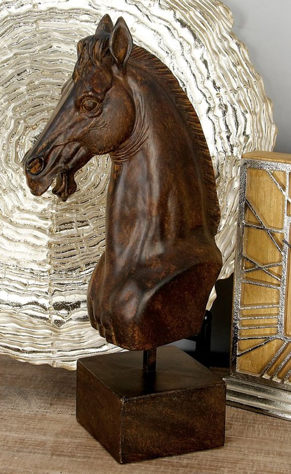 horse-head-figurine