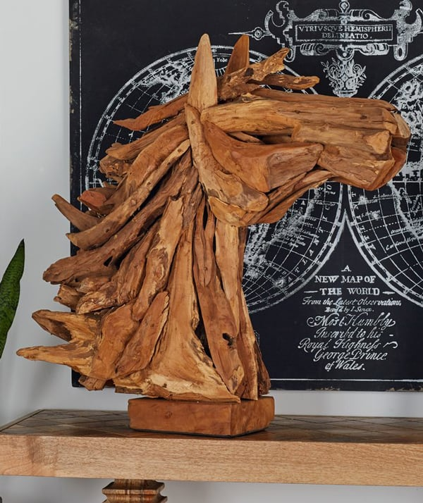 horse-head-sculpture
