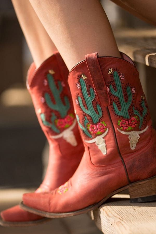 junk gypsy lane red cowgirl boots with cactus and steer skull cowgirl magazine