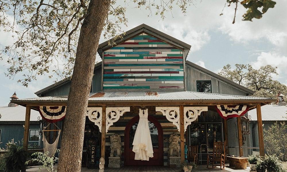 Wander Inn Wedding Venue Cowgirl Weddings Junk Gypsy Store