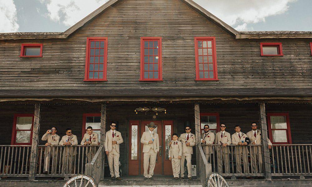 Wander Inn Wedding Venue Cowgirl Weddings Junk Gypsy