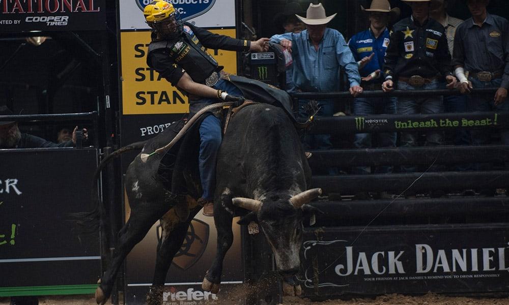 PBR Ak-Chin Invitational Bull Riders Silvano Alves World Champion Cowgirl Magazine