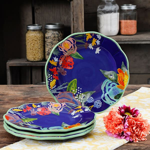 Ree Drummond Pioneer Woman Walmart Spring Collection Cowgirl Magazine