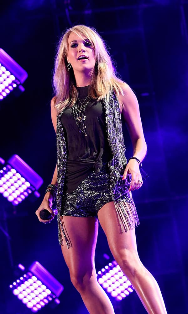 Carrie Underwood CMA Fashion Cowgirl Magazine